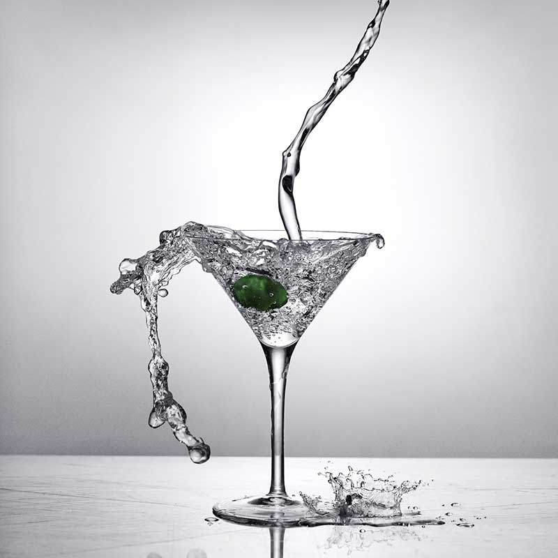 """Gin Cocktail Recipes """"Classic Martini"""" by Soli Gin, Cyprus"""